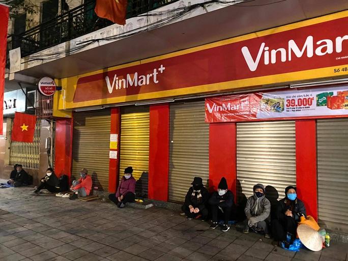 Tết ấm cho người vô gia cư tại Hà Nội - Ảnh 6.