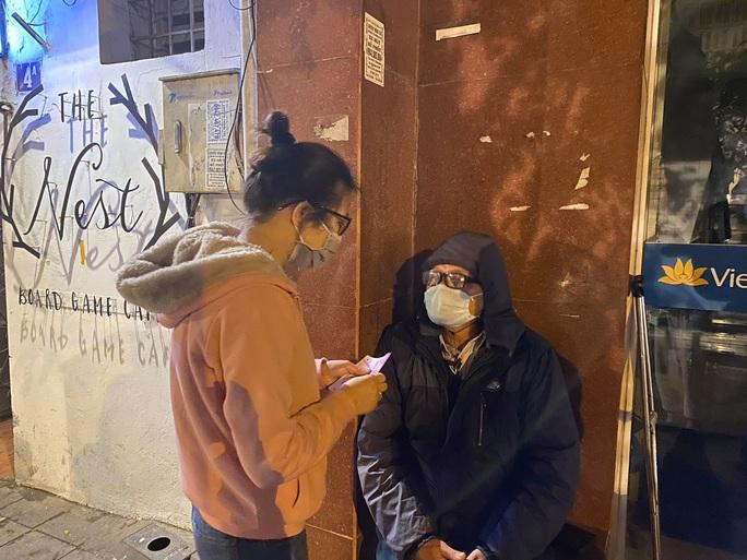 Tết ấm cho người vô gia cư tại Hà Nội - Ảnh 5.