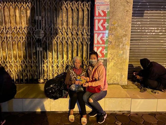 Tết ấm cho người vô gia cư tại Hà Nội - Ảnh 3.