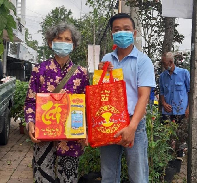 Tết ấm cho người vô gia cư trao quà cho người dân tại Cần Thơ - Ảnh 2.