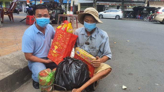 Tết ấm cho người vô gia cư trao quà cho người dân tại Cần Thơ - Ảnh 6.