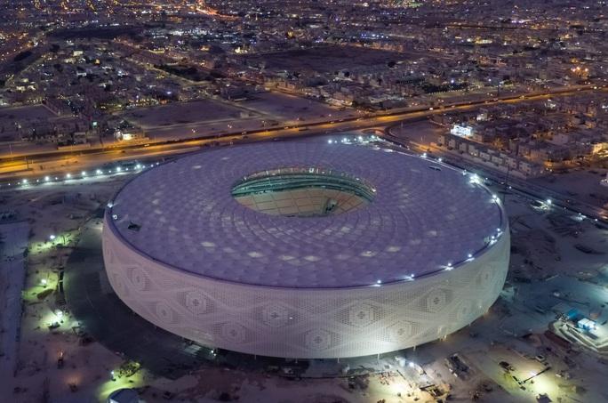 Viên ngọc Khalifa Stadium bừng sáng giữa sa mạc Qatar - Ảnh 9.