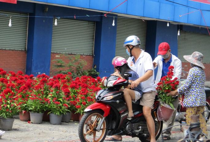 Hoa Tết còn ê hề, Sở Công Thương TP HCM kêu gọi dân giải cứu - Ảnh 6.