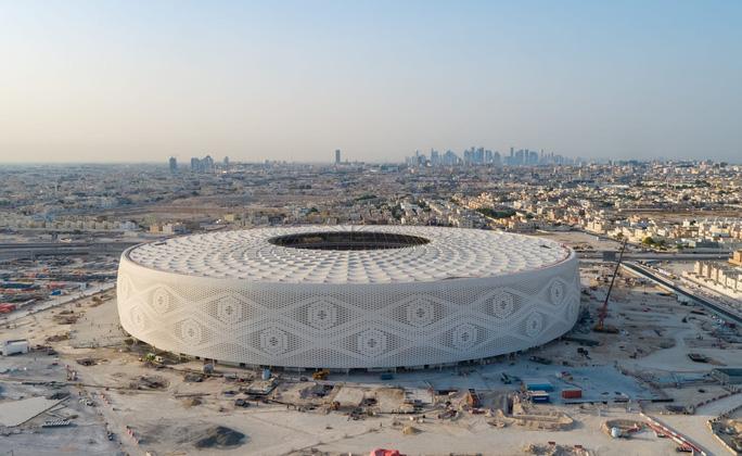 Viên ngọc Khalifa Stadium bừng sáng giữa sa mạc Qatar - Ảnh 8.