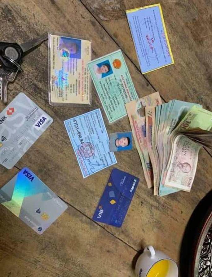 Nhặt được ví có gần 10 triệu đồng, đại úy quân đội đăng facebook tìm người đánh rơi - Ảnh 1.