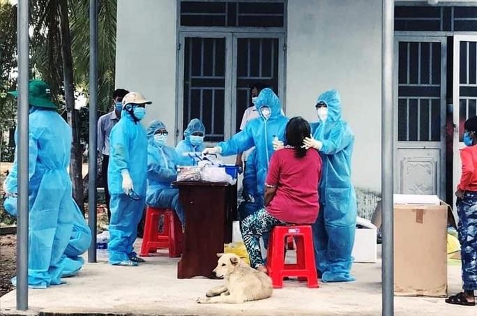 Gia Lai: Phát hiện thêm người dương tính SARS-CoV-2 là cán bộ huyện Ia Pa - Ảnh 1.