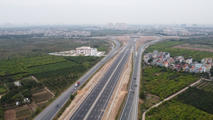 Toàn cảnh những công trình gỡ ùn tắc giao thông cho Hà Nội thời gian qua - Ảnh 6.