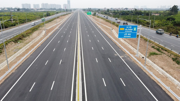 Toàn cảnh những công trình gỡ ùn tắc giao thông cho Hà Nội thời gian qua - Ảnh 8.