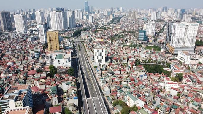 Toàn cảnh những công trình gỡ ùn tắc giao thông cho Hà Nội thời gian qua - Ảnh 9.