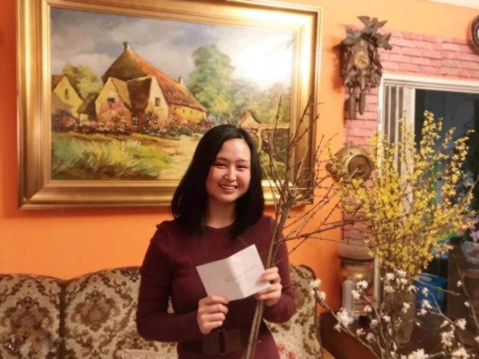 Người Việt đi sắm Tết ở trái tim của châu Âu - Ảnh 26.
