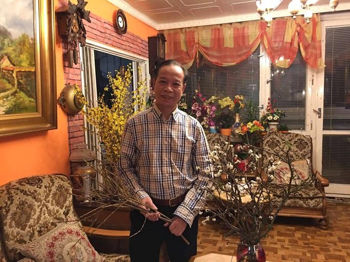 Người Việt đi sắm Tết ở trái tim của châu Âu - Ảnh 25.