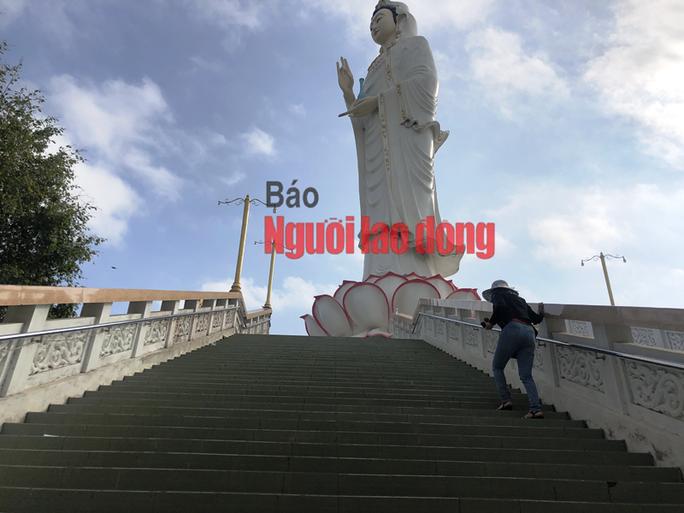 CLIP: Ngày Tết ở ngôi chùa có tượng Phật Bà cao nhất miền Tây - Ảnh 11.