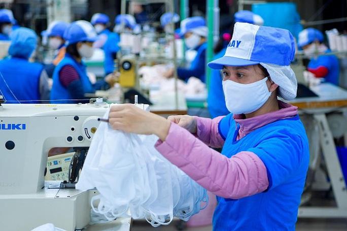 Thuỷ sản, dệt may, da giày tăng tốc xuất khẩu từ đầu năm - Ảnh 2.