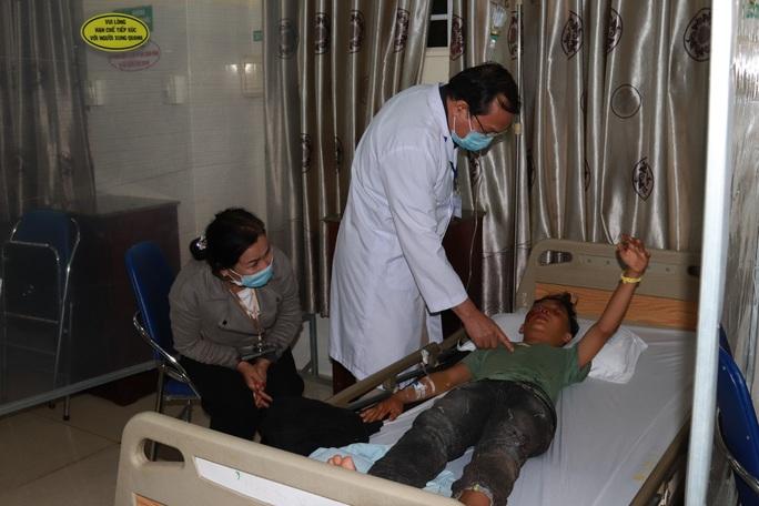 Chùm ảnh đón Tết ở bệnh viện - Ảnh 4.