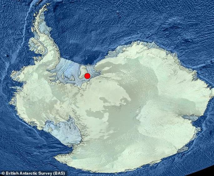 Sốc: Sinh vật lạ dưới mộ băng 900 mét, sống không cần thức ăn, ánh sáng - Ảnh 3.