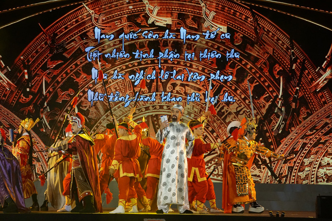 Chương trình sân khấu hóa Chiến thắng Đống Đa lịch sử đầy cảm xúc - Ảnh 3.