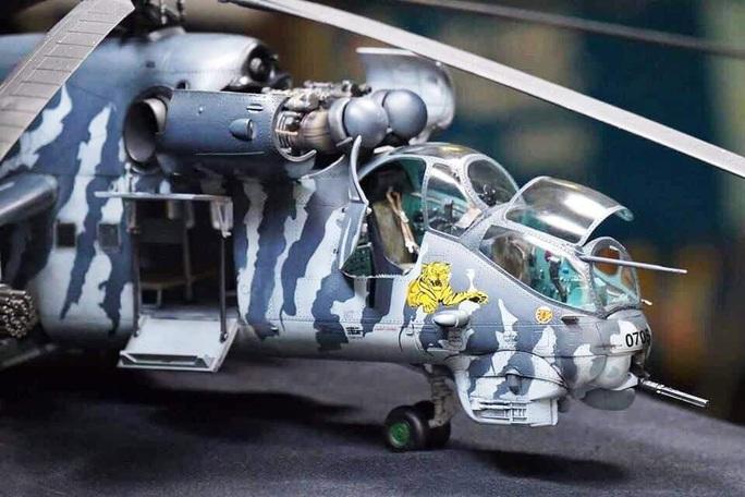 Chiêm ngưỡng bộ sưu tập máy bay mô hình gần 100 chiến đấu cơ của vị thượng tá  - Ảnh 11.