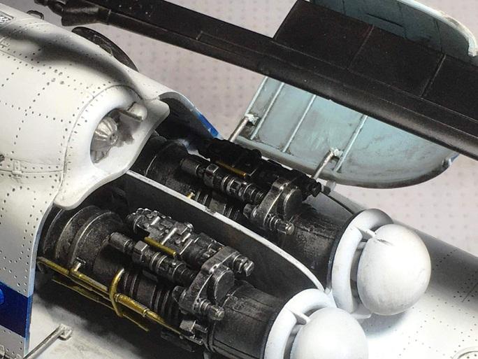 Chiêm ngưỡng bộ sưu tập máy bay mô hình gần 100 chiến đấu cơ của vị thượng tá  - Ảnh 10.