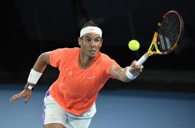 Rafael Nadal thua ngược Tsitsipas, mất cơ hội phá kỷ lục Grand Slam - Ảnh 3.