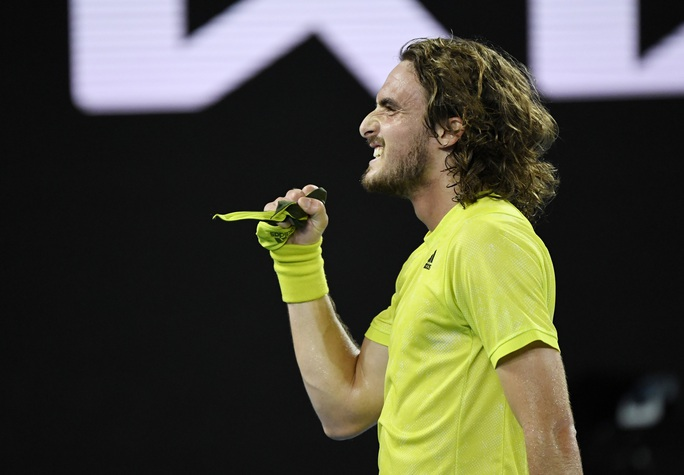 Rafael Nadal thua nguoc Tsitsipas, mat co hoi pha ky luc Grand Slam