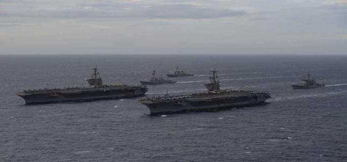 Ảnh hiếm về hoạt động của hai tàu sân bay Mỹ ở biển Đông - Ảnh 2.