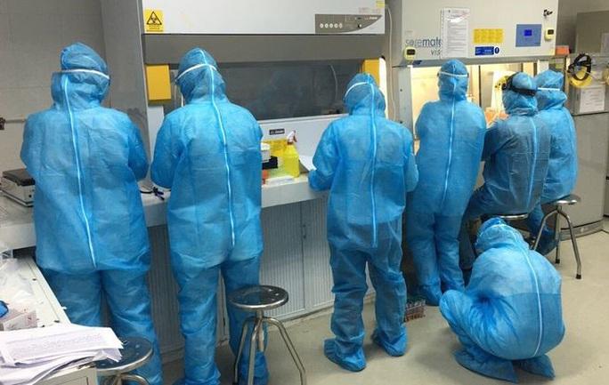 Giải phẫu tử thi tìm nguyên nhân tử vong của chuyên gia người Nhật mắc Covid-19 - Ảnh 1.