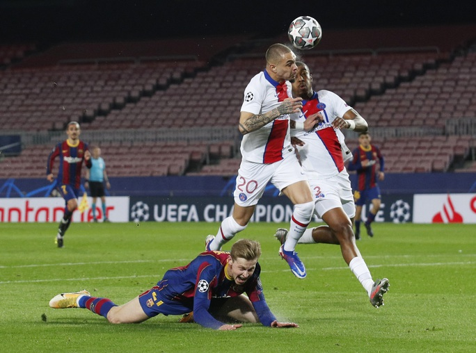 Mbappe thăng hoa với hat-trick, PSG vùi dập Barcelona tại Nou Camp - Ảnh 2.