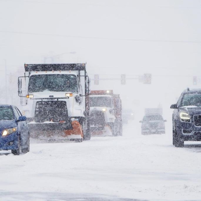 Xoáy cực xâm lấn, 3/4 bang nước Mỹ ngập trong tuyết - Ảnh 2.