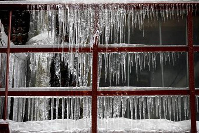 Xoáy cực xâm lấn, 3/4 bang nước Mỹ ngập trong tuyết - Ảnh 5.