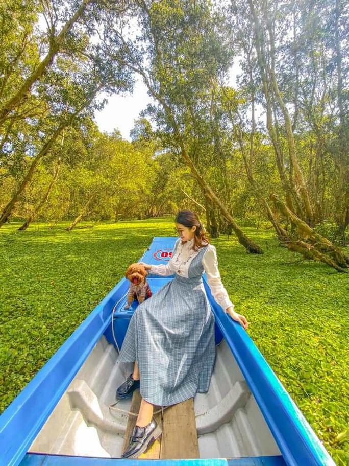 Thỏa sức check in chiếc cầu tre dài nhất Việt Nam giữa rừng tràm - Ảnh 3.