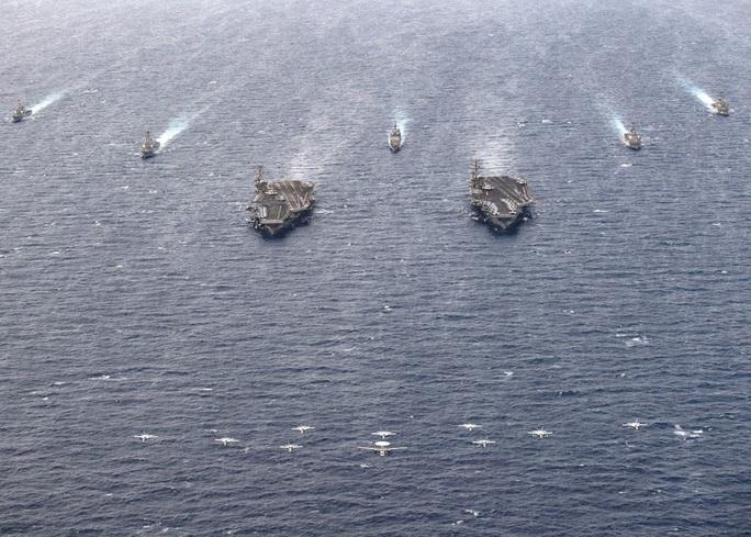Ảnh hiếm về hoạt động của hai tàu sân bay Mỹ ở biển Đông - Ảnh 7.