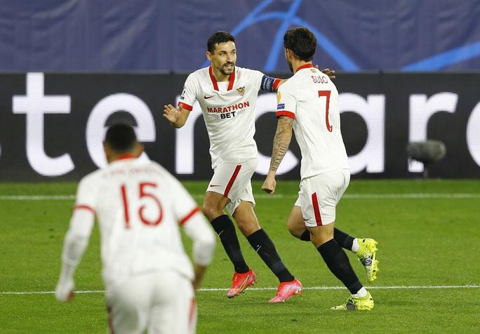 Dortmund ngược dòng siêu đỉnh với Haaland, Sevilla ngã ngựa sân nhà - Ảnh 2.