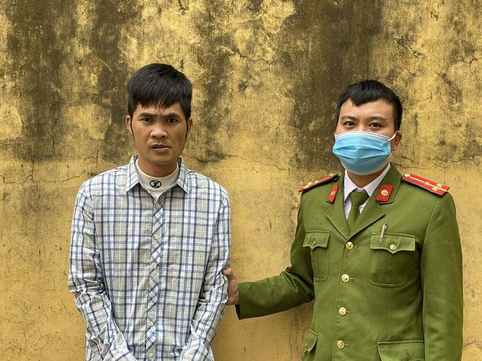 Thông chốt, đánh phó công an xã, một thanh niên lĩnh án 15 tháng tù - Ảnh 1.