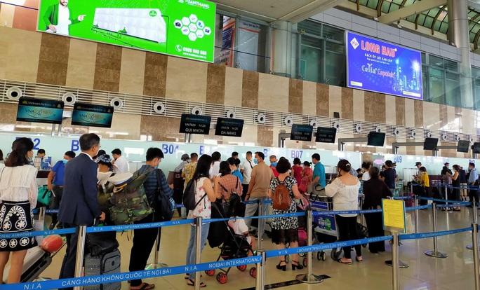 Cục Hàng không: Không đóng cửa sân bay Nội Bài - Ảnh 1.