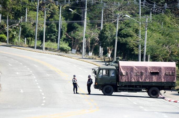 Chính quyền quân sự Myanmar thắt chặt kiểm soát, bất chấp cảnh báo của Mỹ - Ảnh 3.