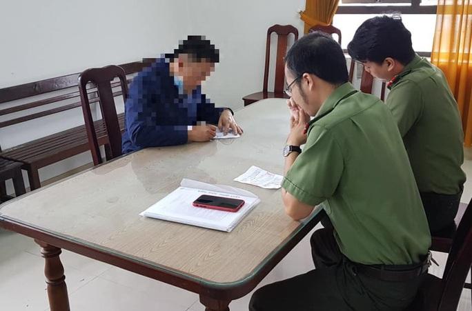 Đăng clip xúc phạm công an phường, đôi nam nữ bị phạt 15 triệu đồng - Ảnh 2.