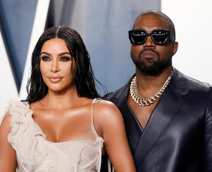 Kim Siêu vòng ba đệ đơn ly hôn Kanye West - Ảnh 1.