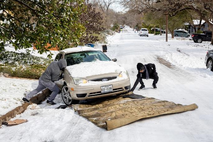 Lạnh không tưởng ở Texas: Những hình ảnh không thể quên! - Ảnh 10.