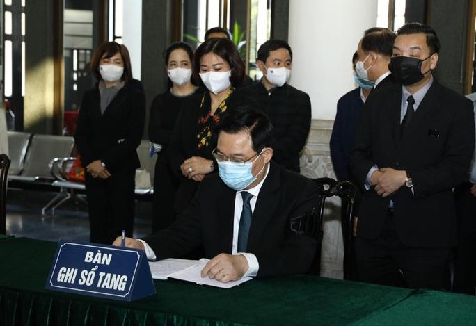 Tổng Bí thư, Chủ tịch nước gửi vòng hoa tới viếng nguyên Phó Thủ tướng Trương Vĩnh Trọng - Ảnh 5.