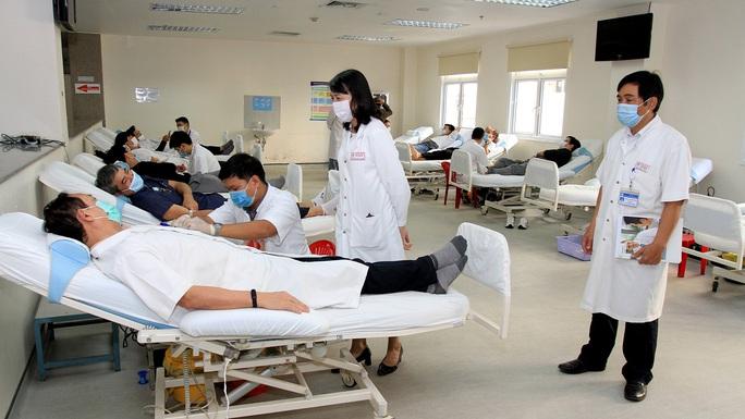Thừa Thiên - Huế: Người lao động hiến máu đầu Xuân - Ảnh 1.