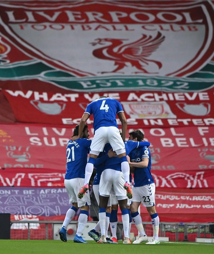 Địa chấn Anfield, Liverpool thua tan tác Everton trận derby Merseyside - Ảnh 1.
