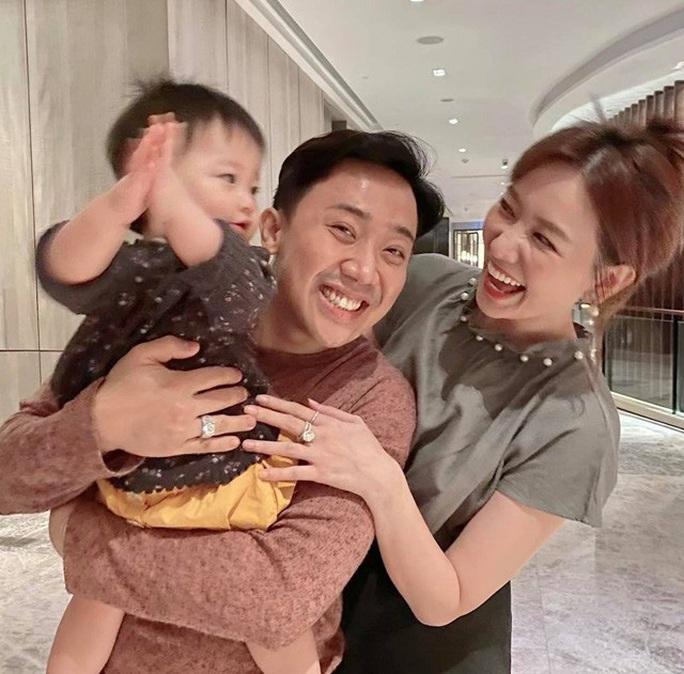 Trấn Thành bức xúc phản bác bài báo nói Hari Won khó có con - Ảnh 1.