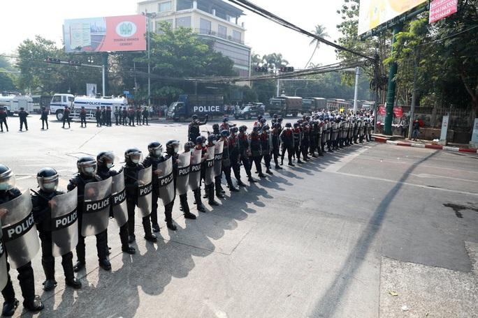Cảnh báo chết chóc của quân đội Myanmar - Ảnh 6.