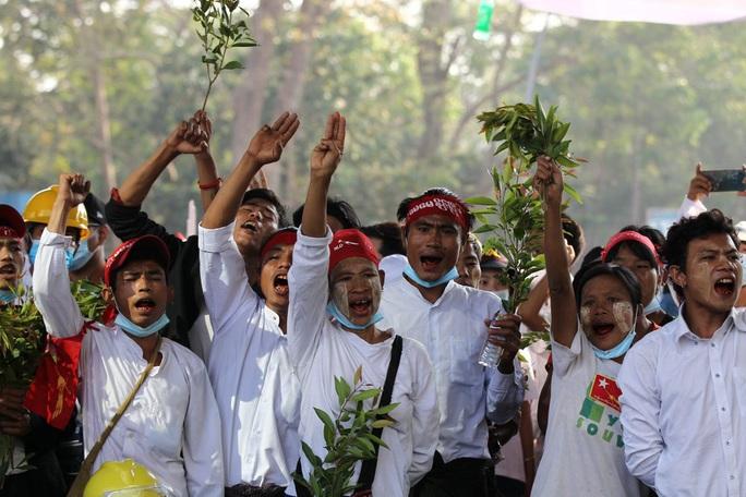 Cảnh báo chết chóc của quân đội Myanmar - Ảnh 5.