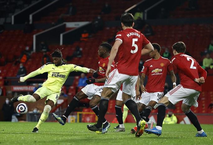 Thắng thuyết phục Newcastle, Man United mạnh mẽ về ngôi nhì bảng - Ảnh 4.