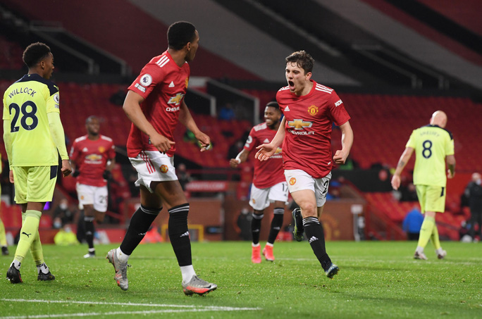 Thắng thuyết phục Newcastle, Man United mạnh mẽ về ngôi nhì bảng - Ảnh 6.