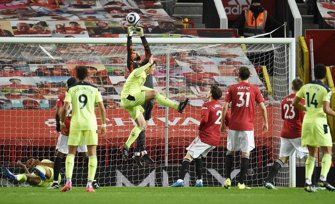 Thắng thuyết phục Newcastle, Man United mạnh mẽ về ngôi nhì bảng - Ảnh 1.