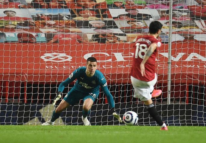 Thắng thuyết phục Newcastle, Man United mạnh mẽ về ngôi nhì bảng - Ảnh 7.