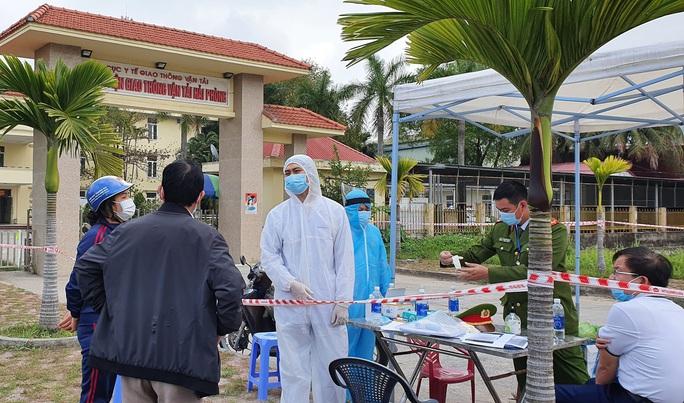 Nữ điều dưỡng nhiễm SARS-CoV-2 chưa rõ nguồn lây, Ban Thường vụ Thành ủy Hải Phòng họp khẩn - Ảnh 1.