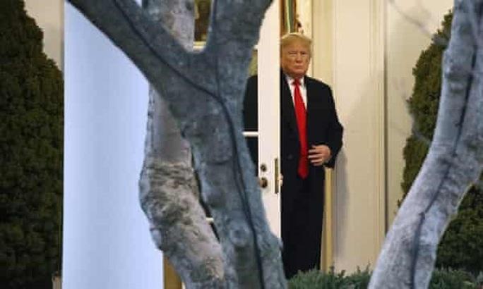 Ông Trump chỉ trích tới tấp Tòa án Tối cao Mỹ - Ảnh 1.